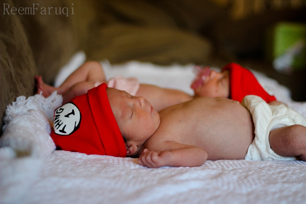 Noah and Molly Newborn Twin Photoshoot (2/6)