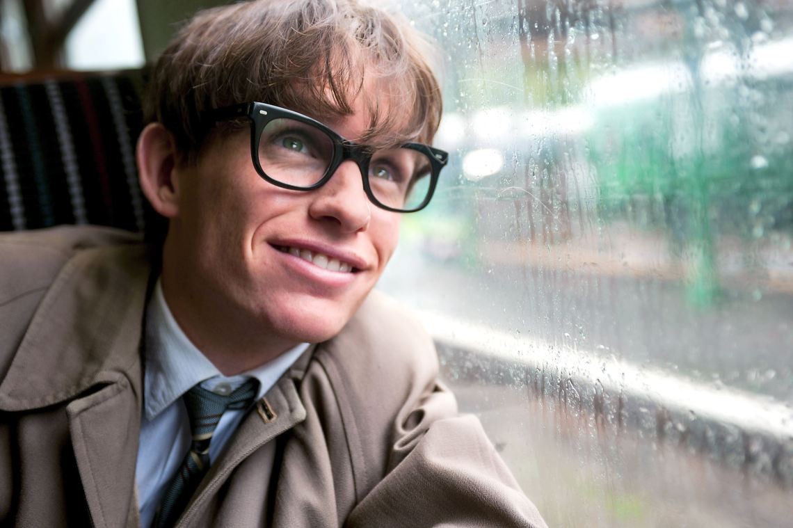 Eddie-Redmayne-stars-as-Stephen-Hawking.0.jpg